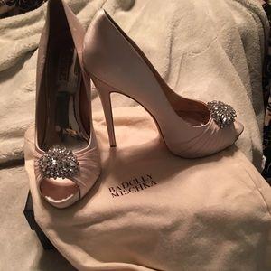 Women's size 10 Badgley Mischka peep toe